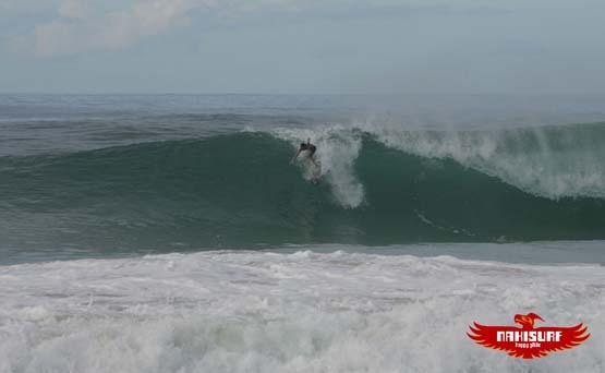 naki surfing1221_5542