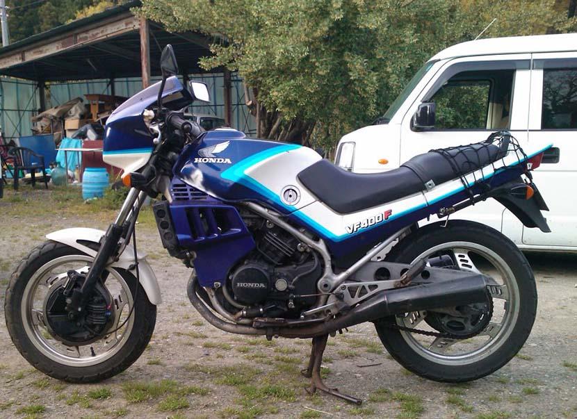 Honda_VF400F