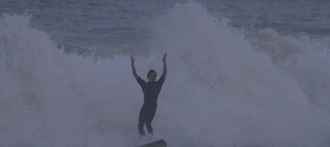 """""""Surfing Happiness""""を得る私たち_""""JUST HAPPINESS""""個展は水曜日が最終日_行ってきます!_(1402文字)"""