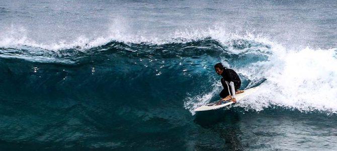 新島の怪人魚とサーフ_波が悪くても30本の波に乗ること_疲労回復には_(1502文字)
