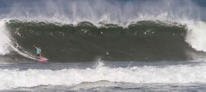 """4000kmを超えてやってきた波""""クドゥング""""のすごさ_夕陽のタナロット寺院_(1016文字)"""