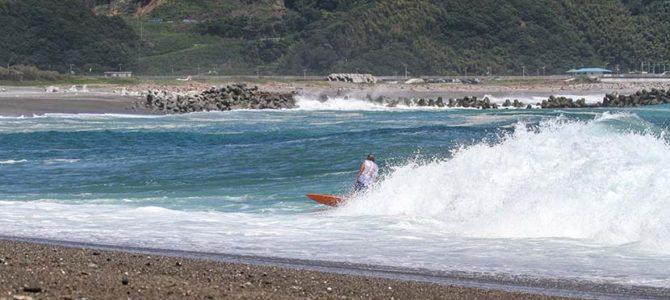【サーフランチ・プロ】イナズマウェイブ永遠の夏は、千葉に北からの風が吹く_(2222文字)