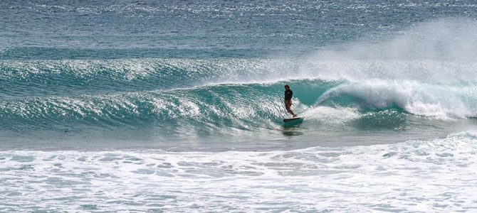 サーフィンの加速方法について_ハワイの神_テスラ社が運搬を手がけると?(1250文字)