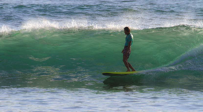 【サーフィン研究所】暖色ワイリーと36万8千KMのバン_タイラー・ウォーレン_(1106文字)