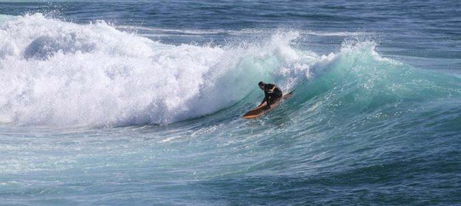 【サーフィン研究所】黄金の龍は1200歳_なんちゃってサーファー氏の忘れられない波体験_(1151文字)