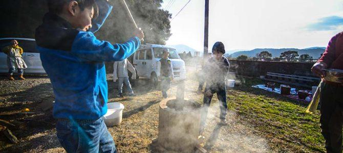 【サーフィン研究所】田舎の美味しいもの=伝統的なもの_土佐で味噌作り&餅つき_土佐偉人図鑑_(2502文字)