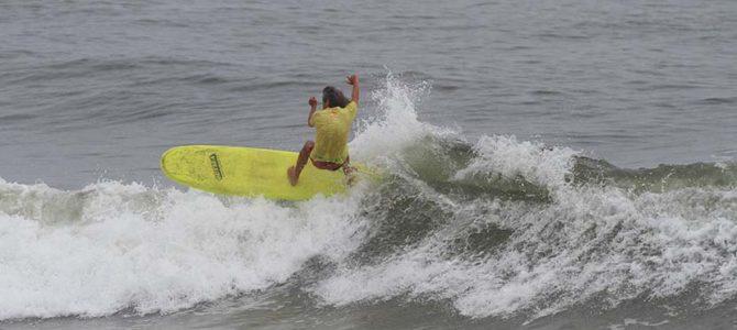 【サーフィン研究所】波が上がってきた_ローカルズ・サンダル_(1935文字)