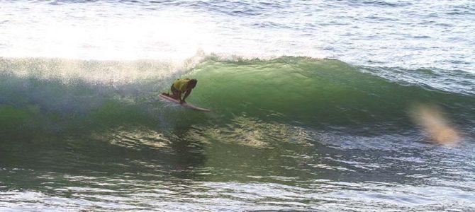 【サーフィン研究所】スカシー・カフェ2020にありがとう!_テイクオフ_波の下に落とす→斜面にボードを食い付かせる_(1468文字)