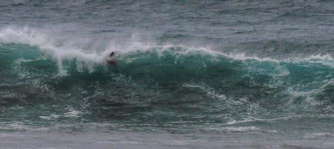 【サーフィン研究所】刀の焼き戻しをする台風14号_(2232文字)