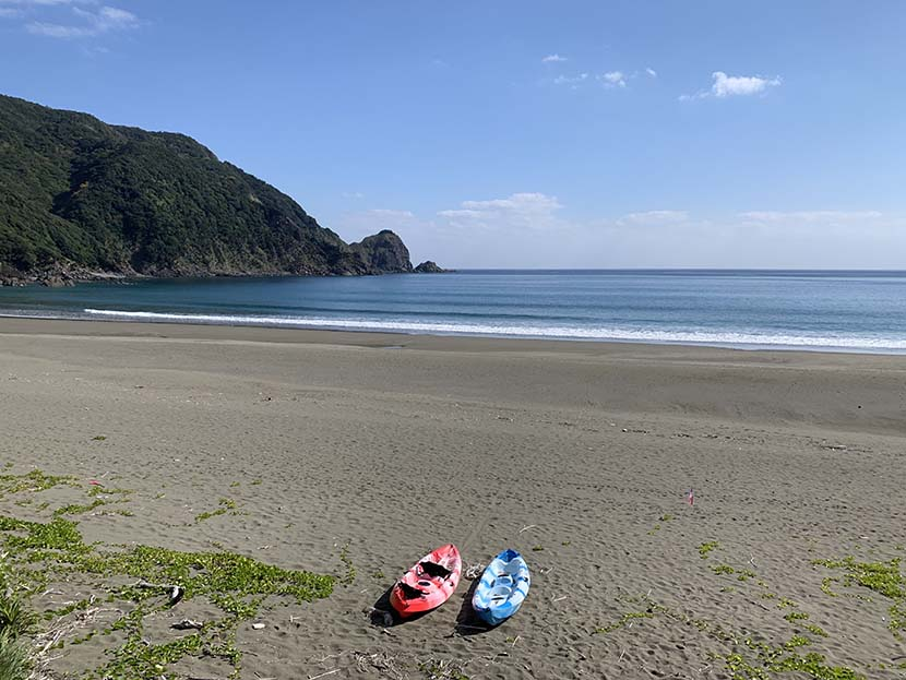 【サーフィン研究所】君に、胸キュン。奄美のシゲタマ・ベントー2021_(1297文字)