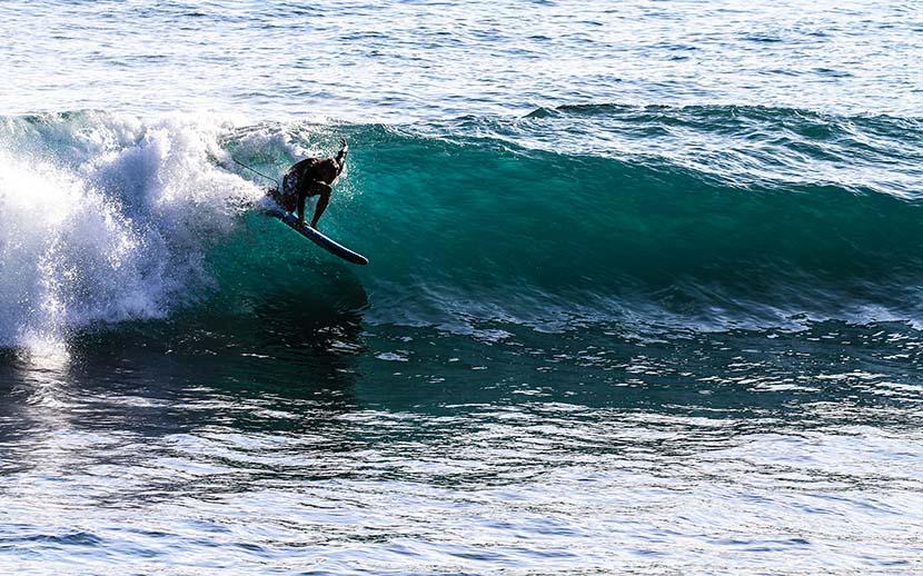 【サーフィン研究所】建国記念日に想うこと_サンドウィッチの小宇宙_(1179文字)