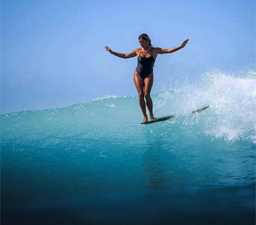 【サーフィン研究所沖縄道場】なぜロングがショートボードを上達させるのか?_沖縄の仲間たち_(1539文字)