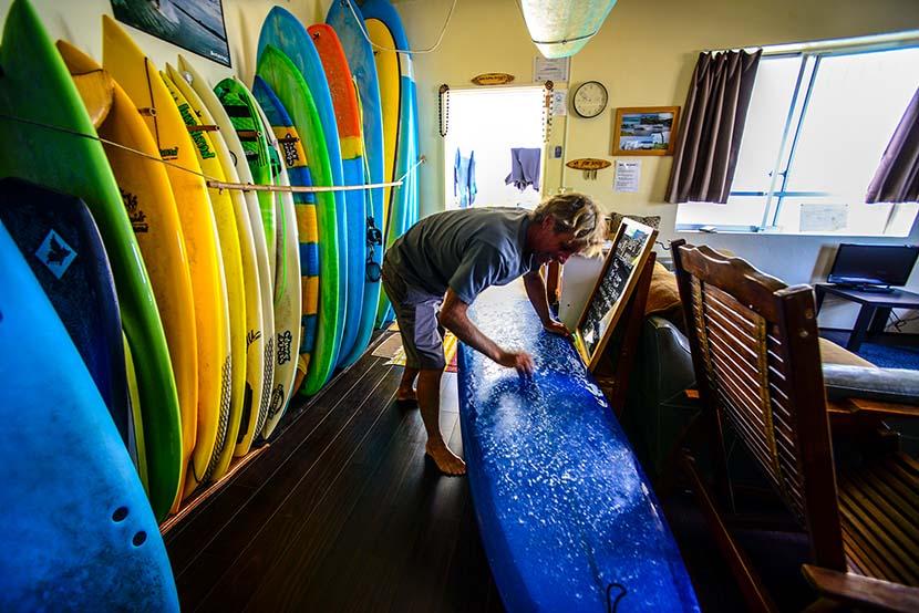 【サーフィン研究所沖縄道場】ロングボードでの加重やその他の修練_(1232文字)