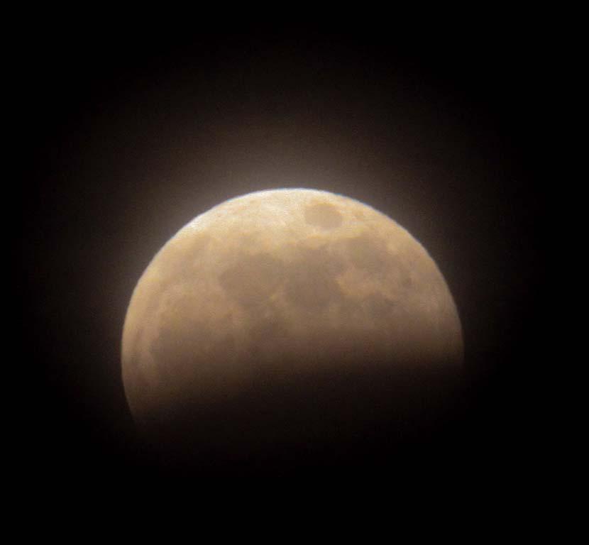 【ドラグラ・プロ】曇天の皆既月食と格闘家サーファーたち_(1396文字)