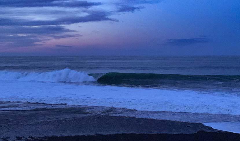 【サーフィン研究所】台風ミンドル一過_7時間かけて見つけた波_(1539文字)
