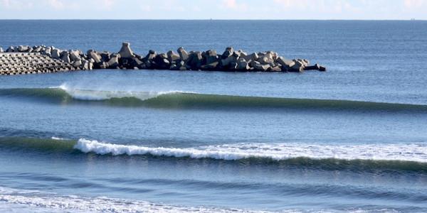 2015_01_10_波情報_TYLER WARREN『WET DREAM A SURF FILM』最新情報_3連休は千葉ショールームであのボードがさらにお買い得☆