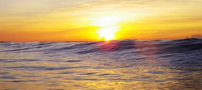 笑顔が良い波を呼ぶ!?発想の転換で楽しむ夏サーフ!