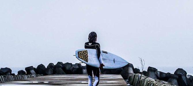 Black&White〜日本の冬海に向かうサーファーに贈る最高のウェットスーツ〜