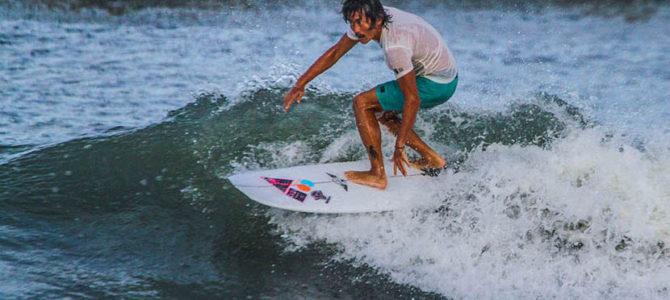 【オススメボード紹介】夏の小波にバッチリ!小波から遊べる中古ボードをご紹介します。