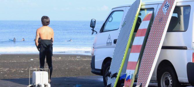 CATCH SURFで小波ワイワイセッション♪ ※即納可能ボードもありますYO!