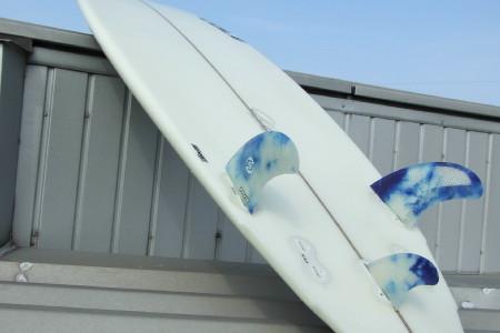 【COLE】PRAYING MANTIS 5'8″ x 19-3/4″ x 2-3/8″_この板の推進力と動きの軽さに皆ビックリしています